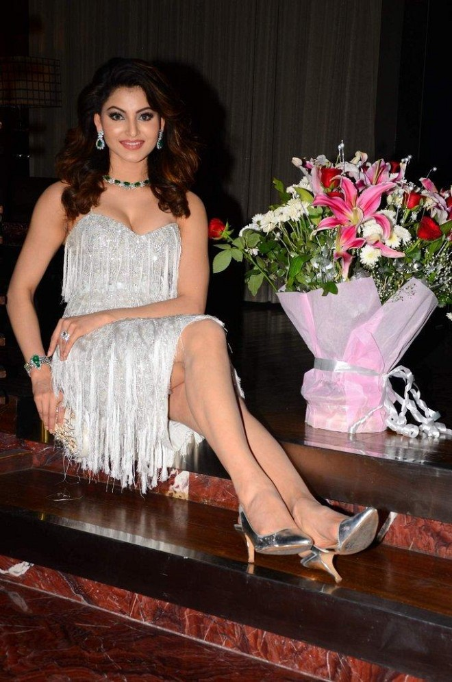 Urvashi Rautela Super Sexy Cleavage and Legs Show At Her 23rd Birthday Celebrations In Mumbai